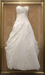 Large Size Wedding Dress Frame